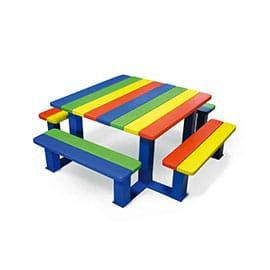 Table de pique nique pour enfants.