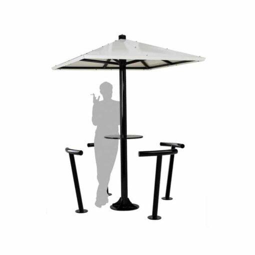 Assis debout parasol