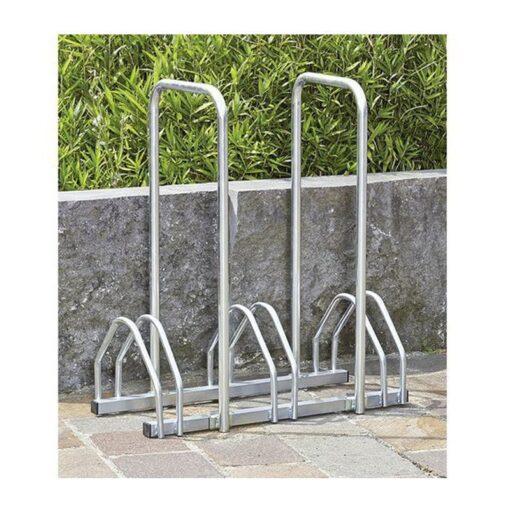 Support cycles avec arceaux 3 places an acier en situation vélos mobilier urbain