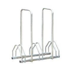 Support cycles avec arceaux 3 places an acier sur fond blanc mobilier urbain
